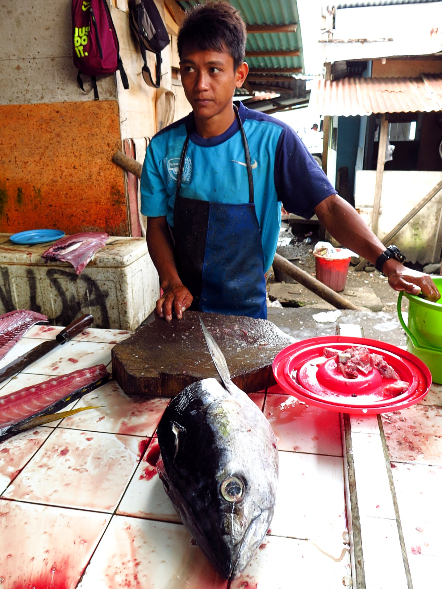 Fish market Tahuna_tuna head